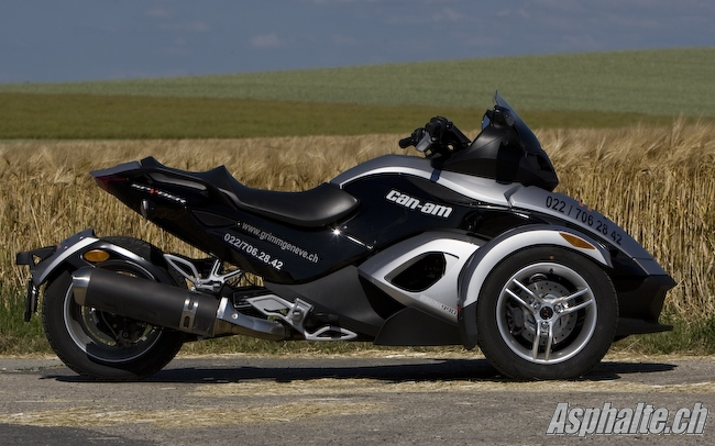 quad can am 3 roues