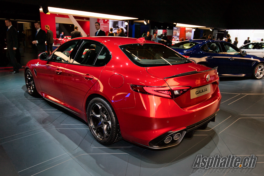 frankfurt 2015 alfa romeo giulia quadrifoglio. Black Bedroom Furniture Sets. Home Design Ideas