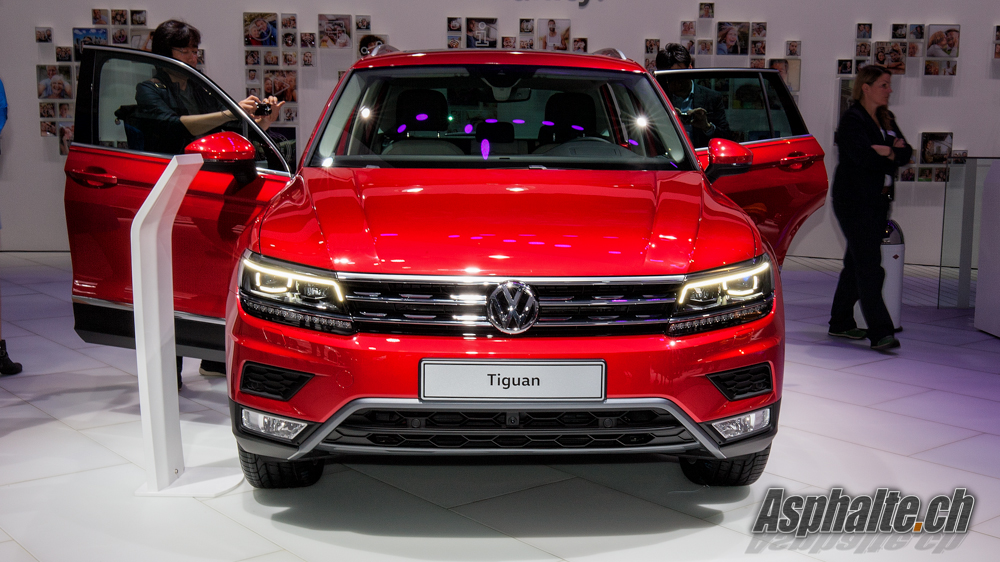 slideshow frankfurt 2015 vw tiguan 2 me g n ration. Black Bedroom Furniture Sets. Home Design Ideas
