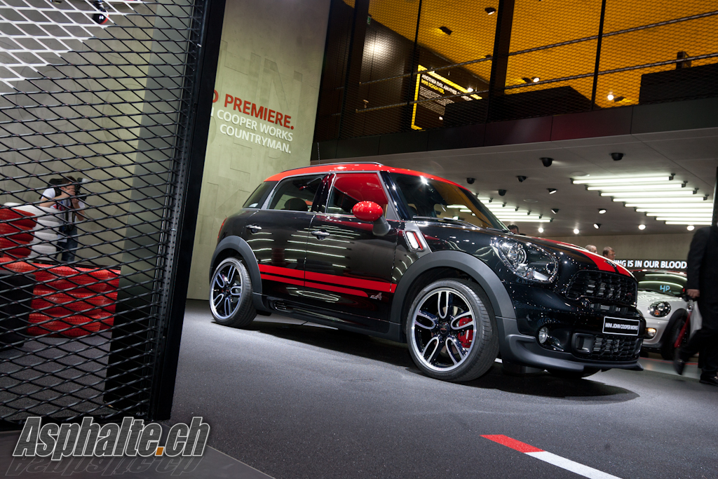 mini-jcw-countryman-01