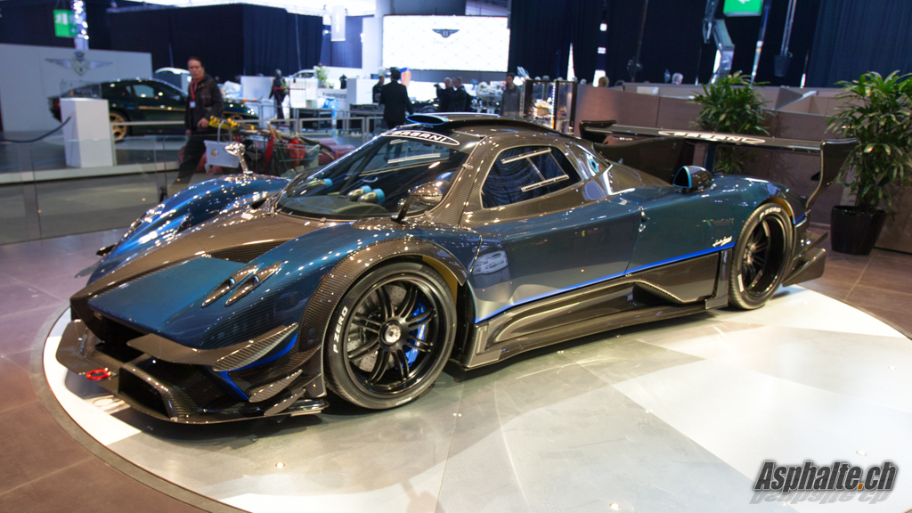 gen ve 2014 pagani zonda revolucion blue carbon. Black Bedroom Furniture Sets. Home Design Ideas