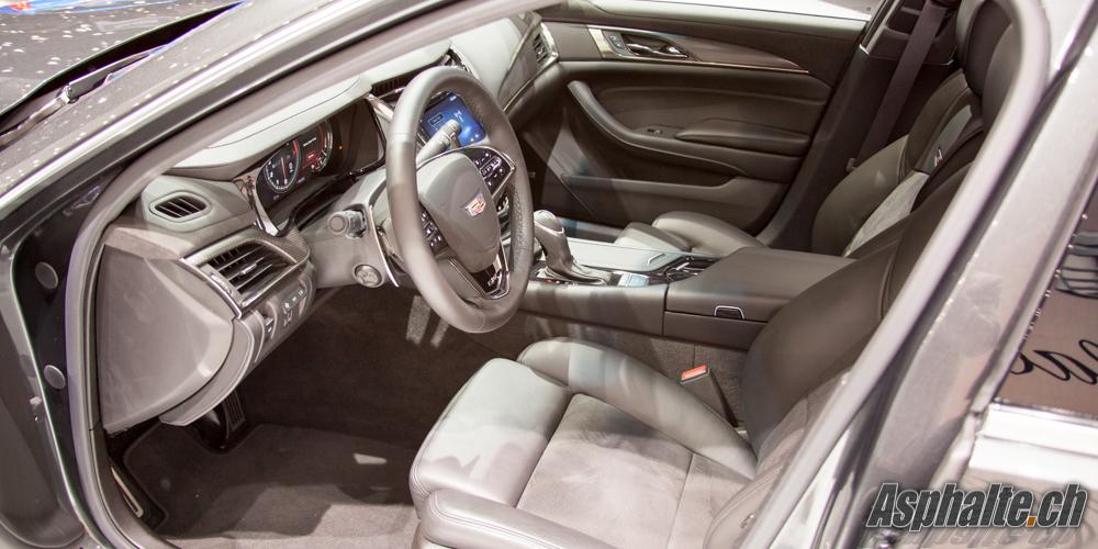 Cadillac CTS-V intérieur