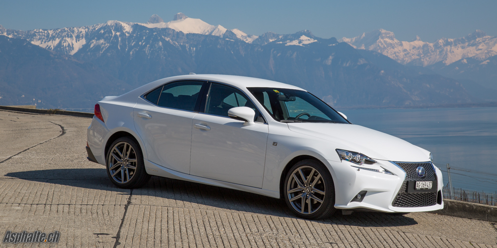 Essai Lexus IS300h