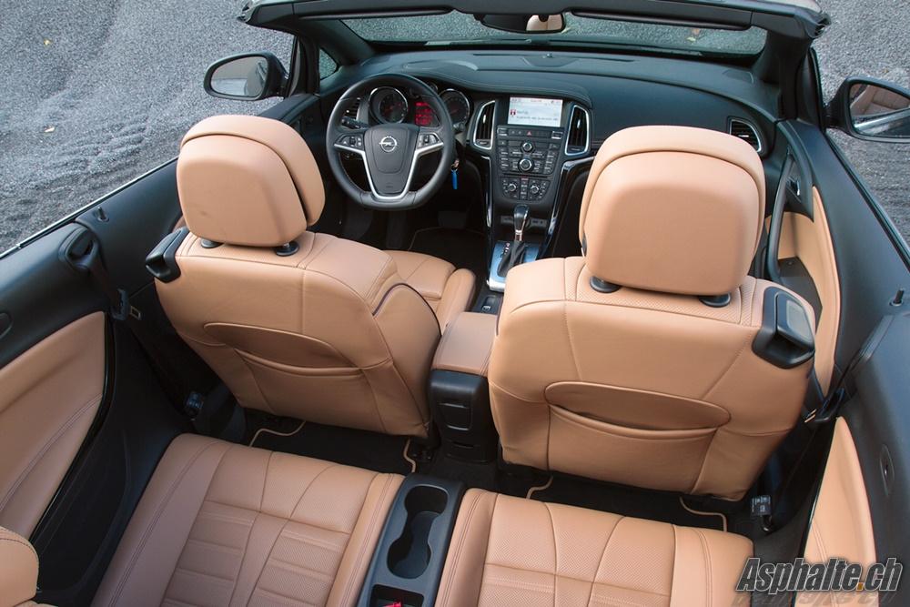 Opel Cascada Cosmo Intérieur