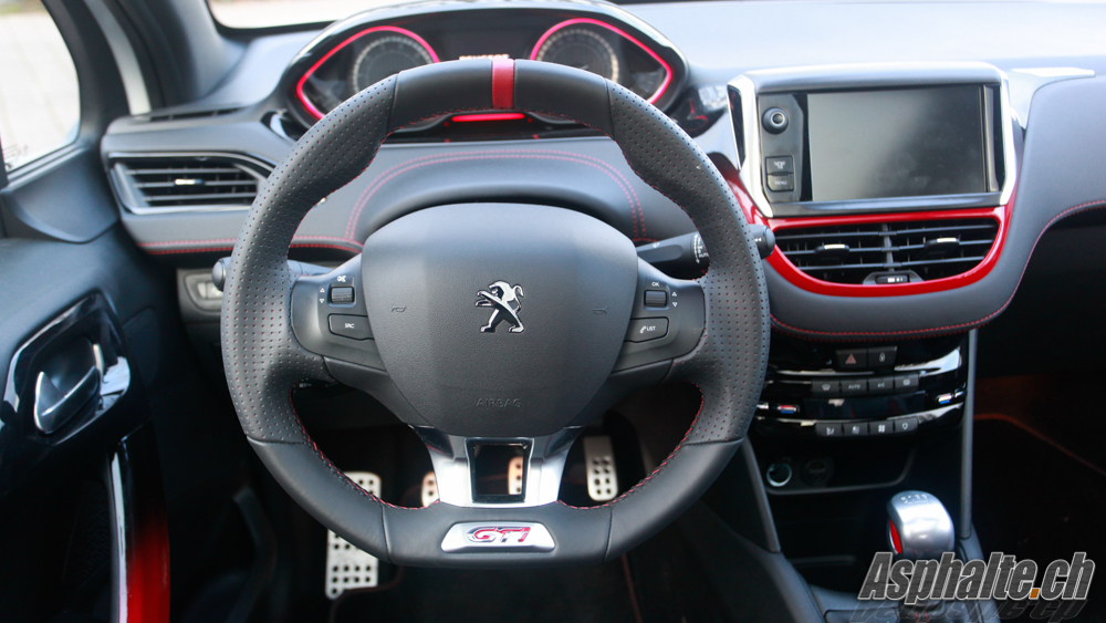essai peugeot 208 gti. Black Bedroom Furniture Sets. Home Design Ideas