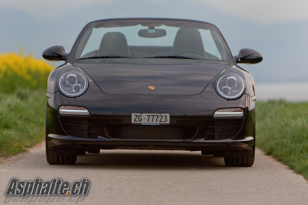 2010 Porsche 911 Black Edition photo - 2