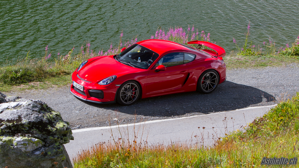 slideshow essai comparatif porsche cayman gt4 gts le prix de la rigueur. Black Bedroom Furniture Sets. Home Design Ideas