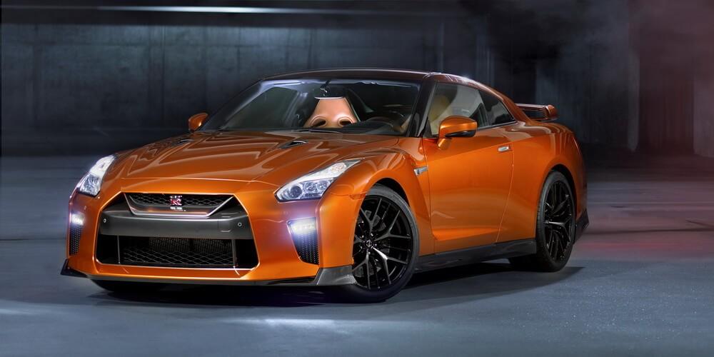 Nissan-GT-R-2016-09