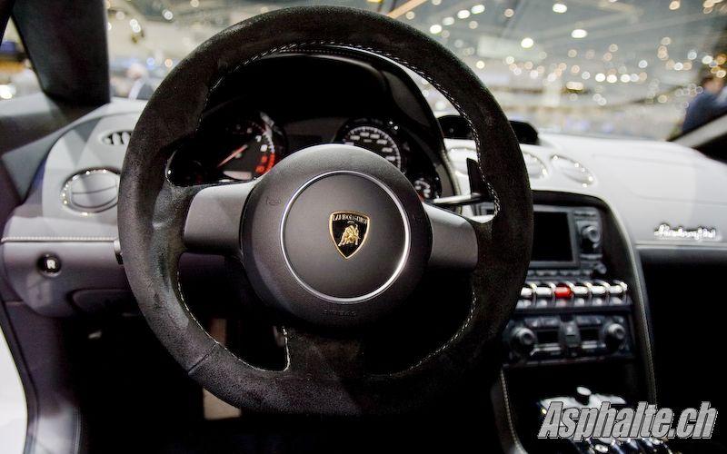 Lamborghini Gallardo LP560-4 (suite)