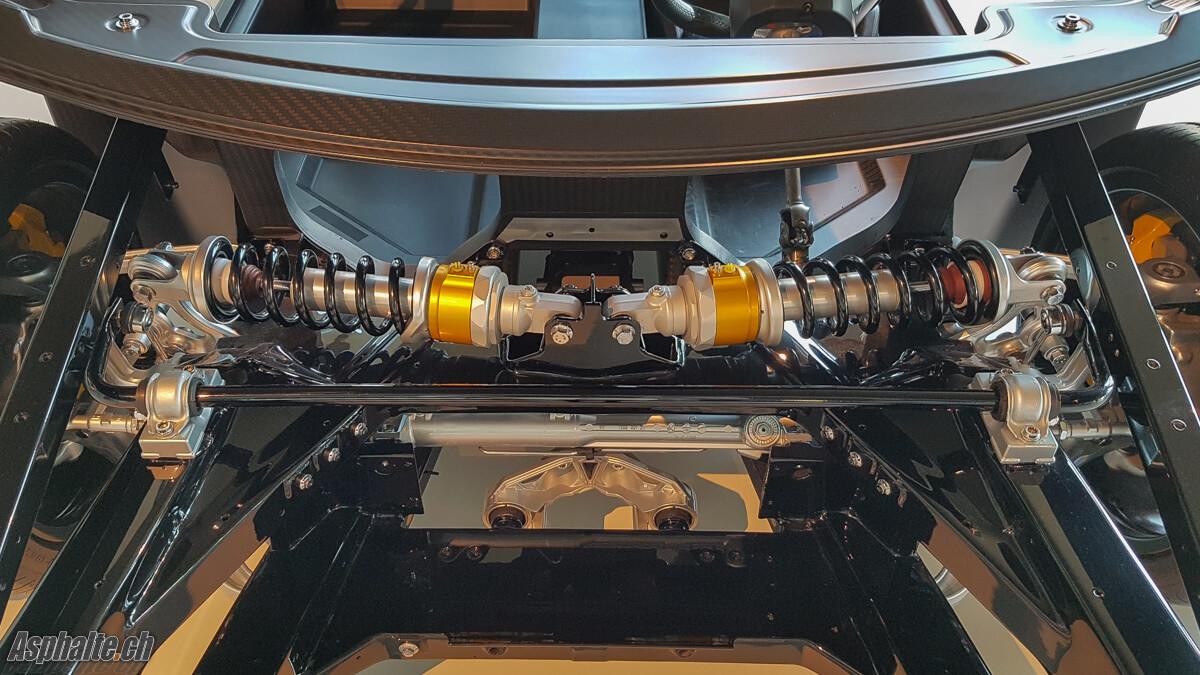 Lamborghini Aventador amortisseurs in board