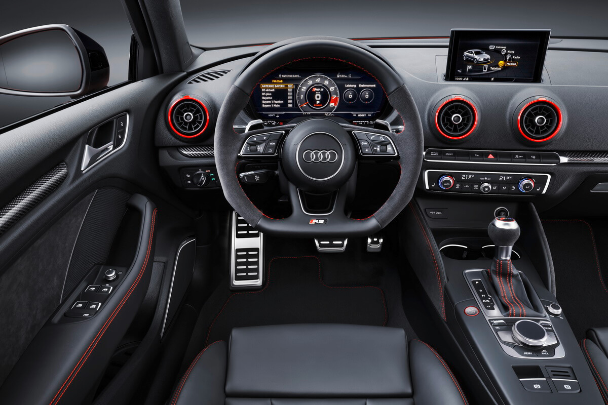 Paris 2016 audi rs3 berline for Interieur q3 s line
