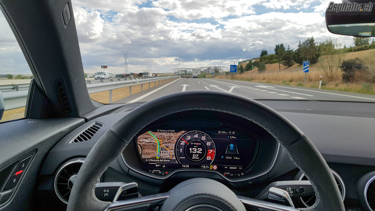Essai Audi TT RS tableau de bord Audi Virtual Cockpit