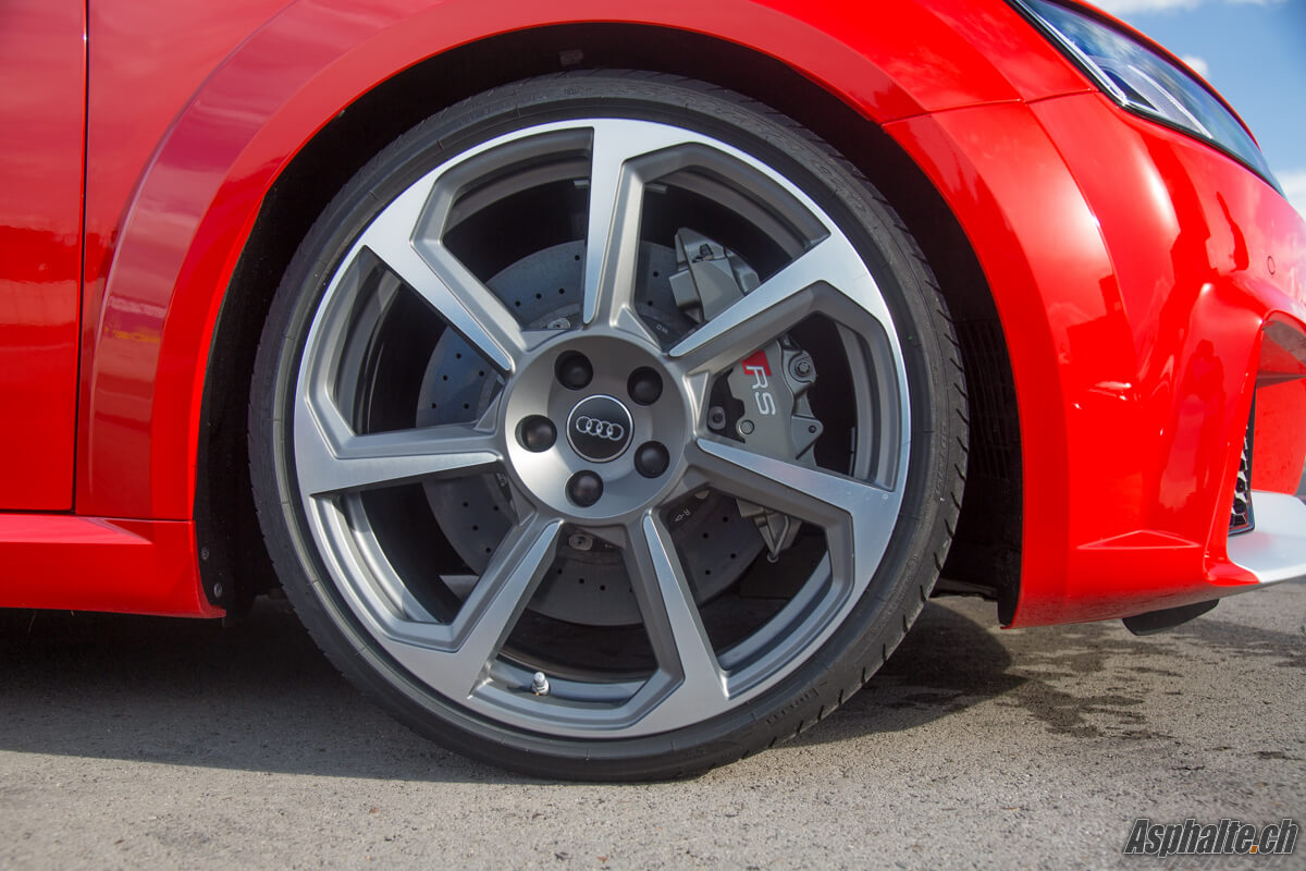 Essai Audi TT RS frein carbone céramique