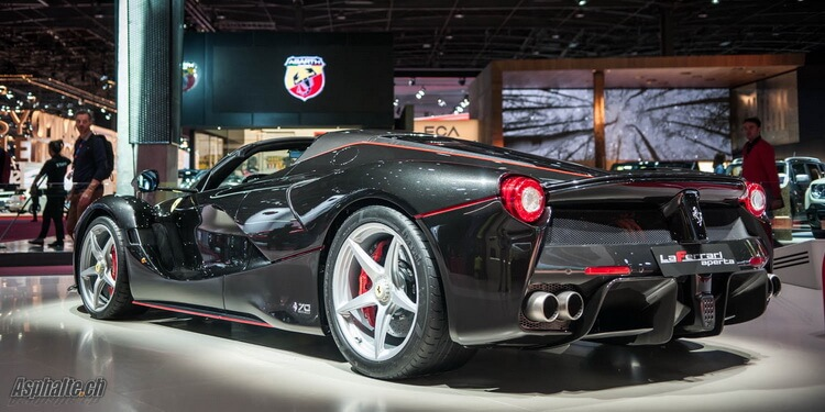Paris 2016: Ferrari LaFerrari Aperta