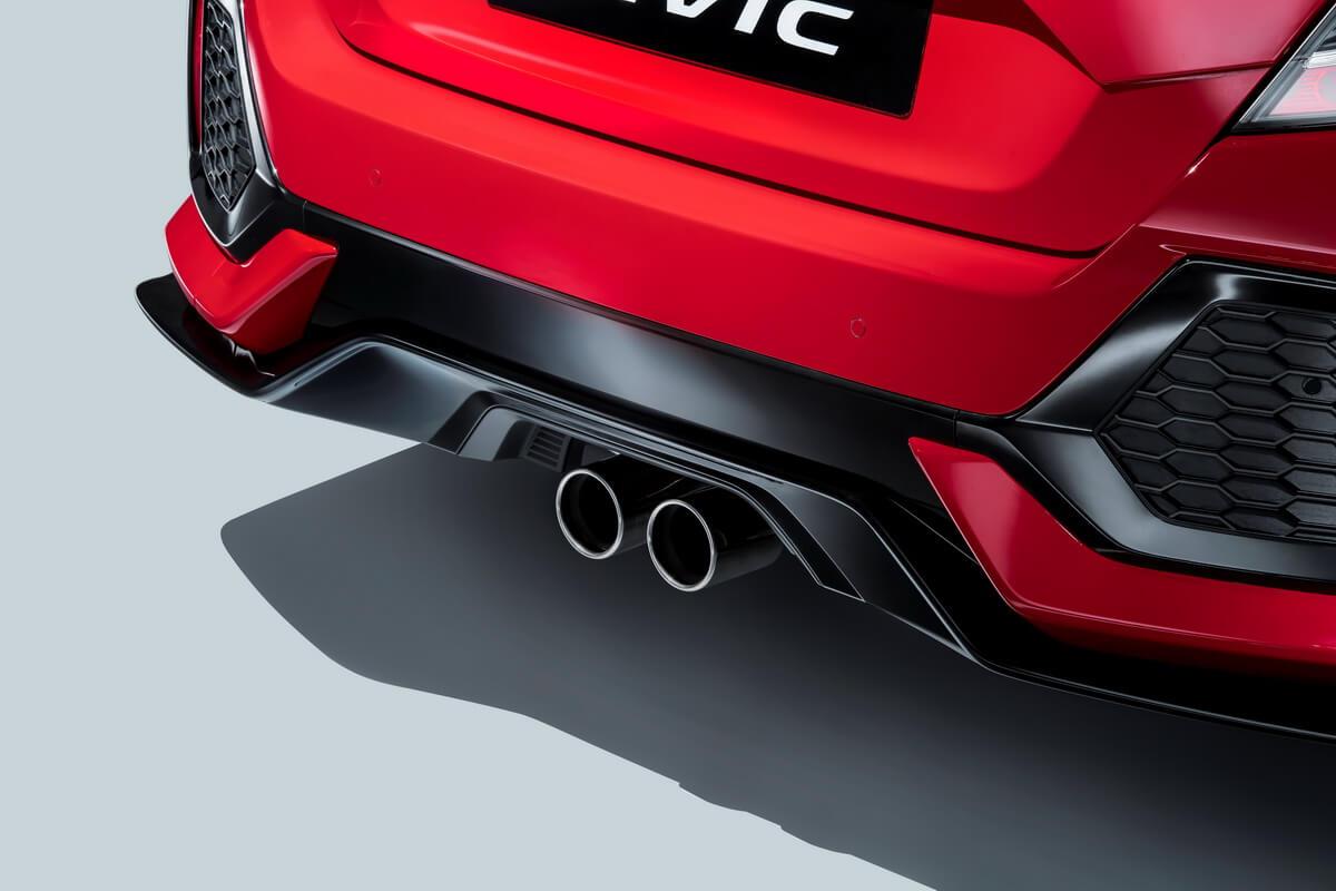 Honda Civic Hatchback 2017 double sortie échappement
