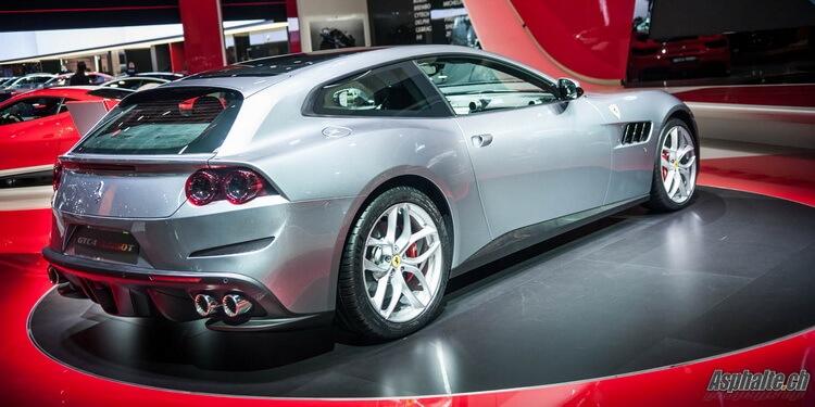 Ferrari GTC4Lusso T Paris 2016