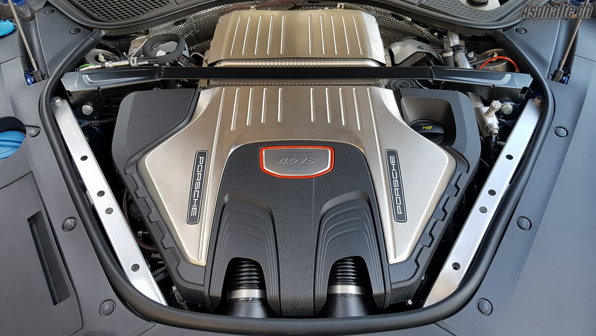 Porsche Panamera Turbo 2016 Moteur