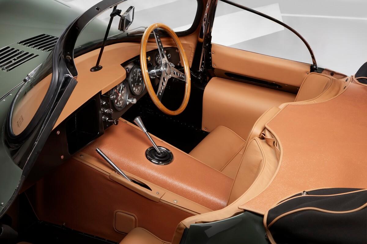 Jaguar XKSS continuation intérieur