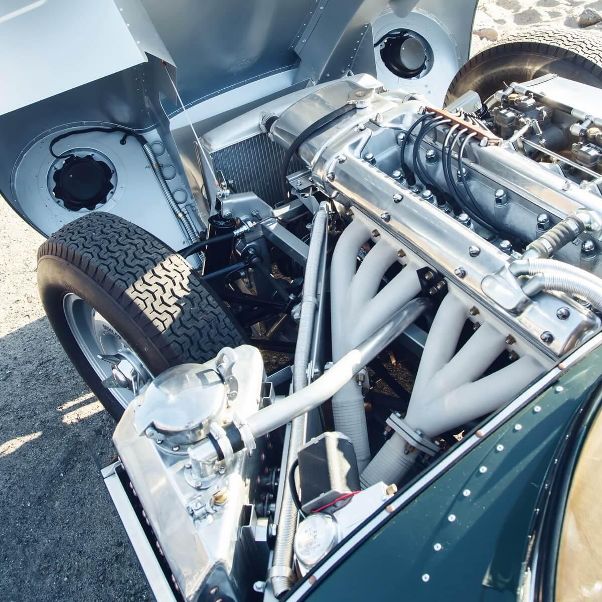 Jaguar XKSS continuation moteur