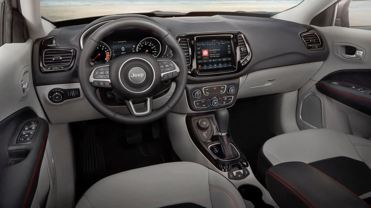 Jeep compass 2017 for Interieur jeep
