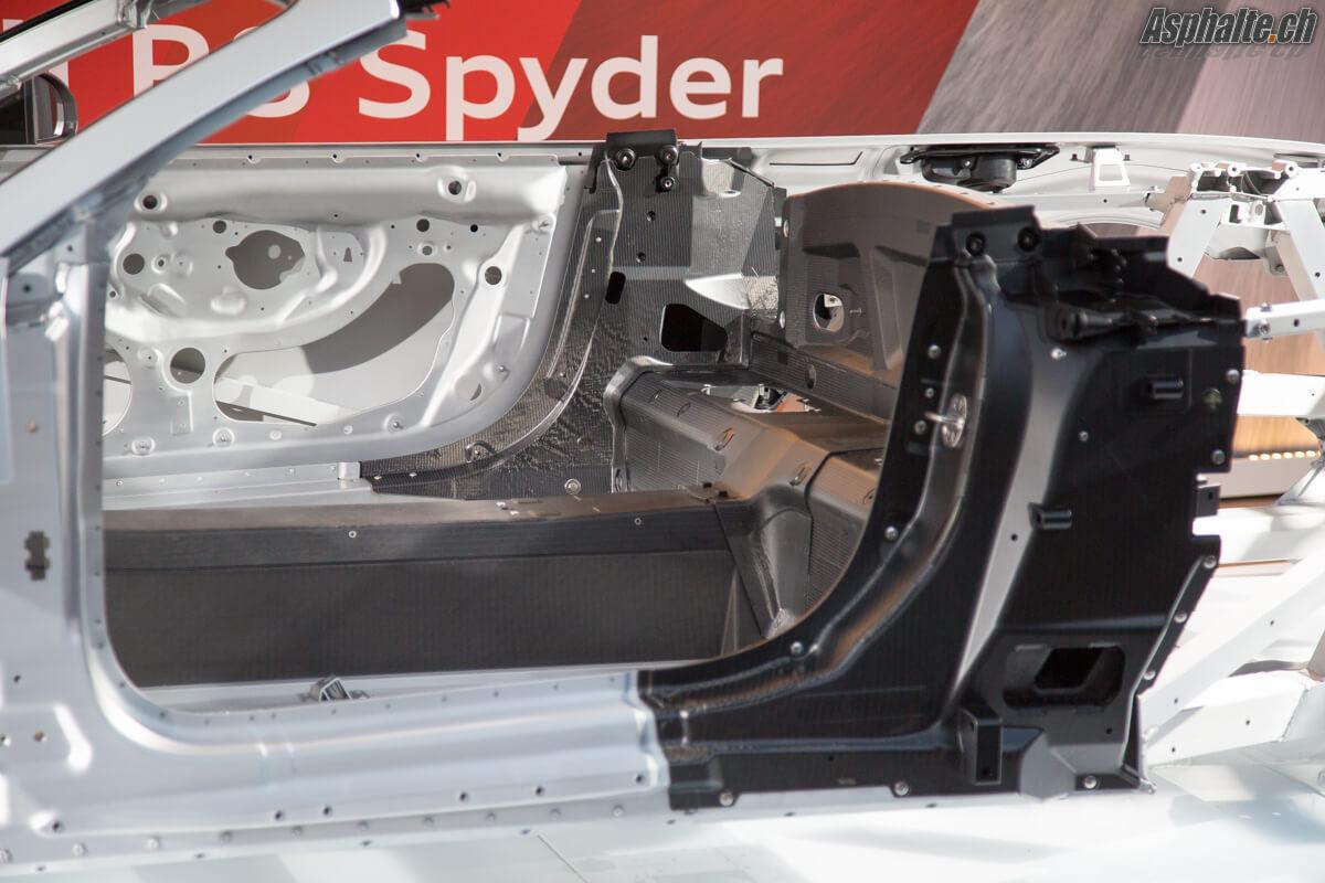 Audi R8 V10 Spyder châssis carbone