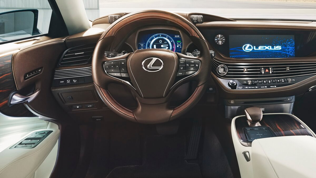 Lexus LS500 2018 intérieur tableau de bord