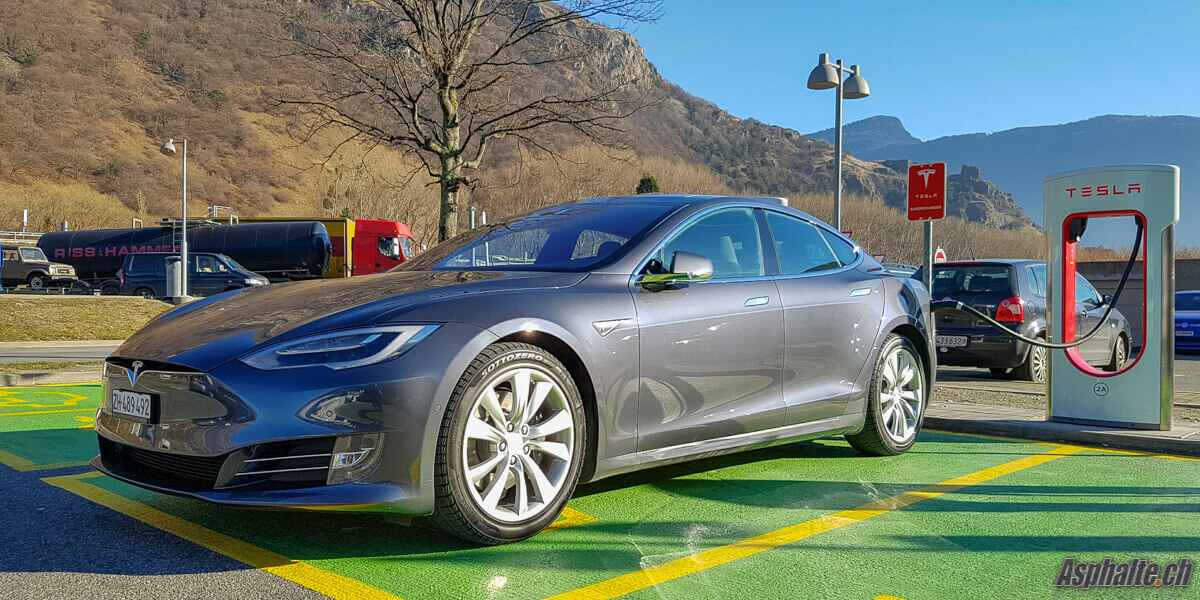 Essai Model S 90D Supercharger Martigny VS Suisse