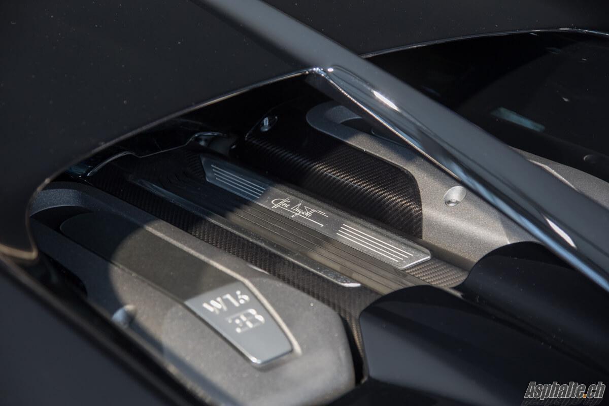 Bugatti Chiron moteur Genève 2017