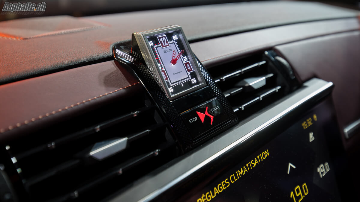 DS7 Crossback Tableau de bord horloge