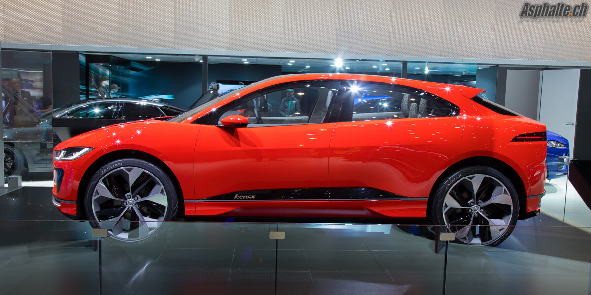 Jaguar i-Pace Photon Red Geneve 2017