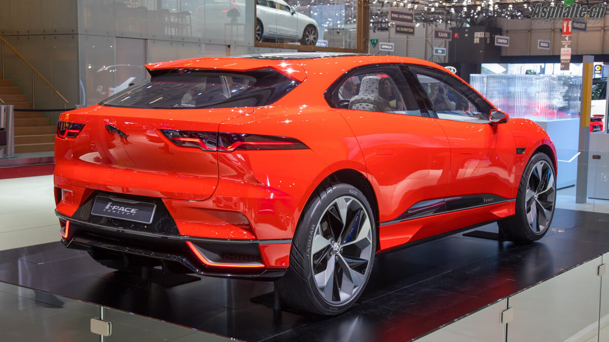 Jaguar i-Pace Photon Red Salon de Genève 2017