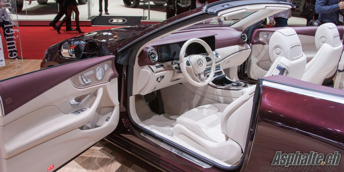 Mercedes-Benz E-Class Cabriolet intérieur