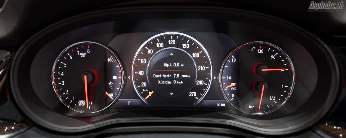 Opel Insignia Sports Tourer compteurs