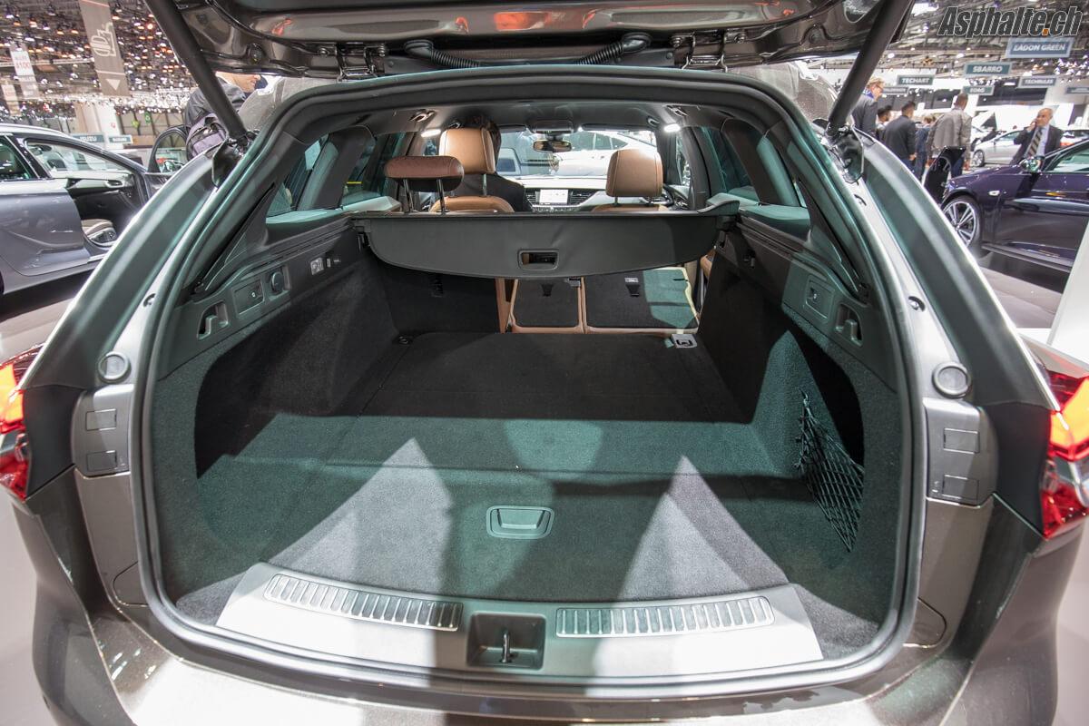 Opel Insignia Sports Tourer coffre