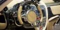 Pagani Huayra Roadster intérieur volant