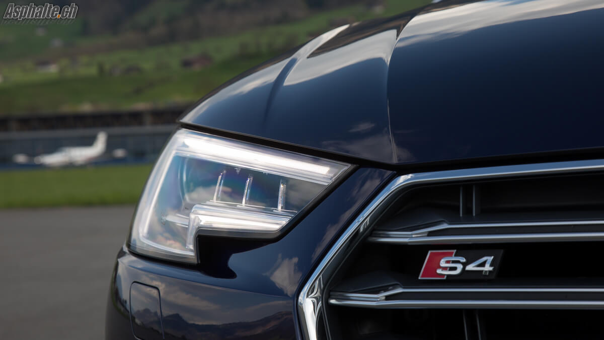 Essai Audi S4 Avant B9 logo