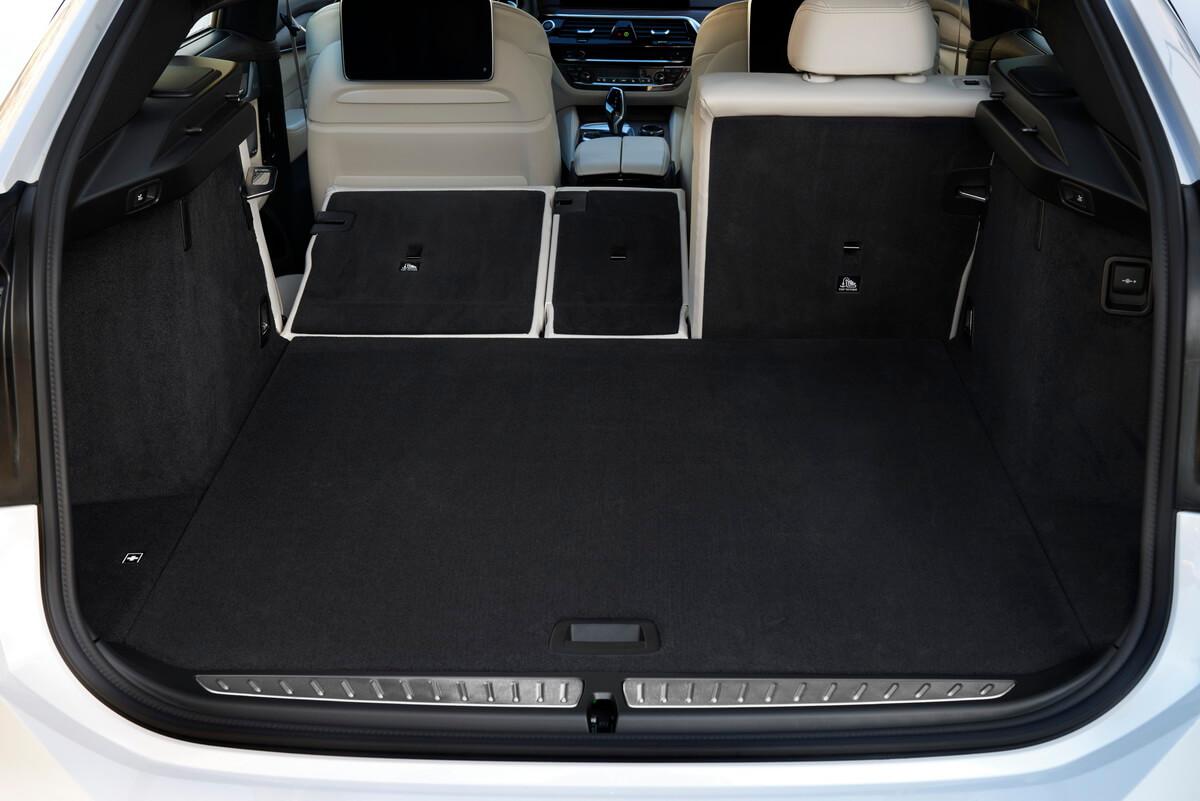 BMW série 6 Gran Turismo 640i xDrive Coffre
