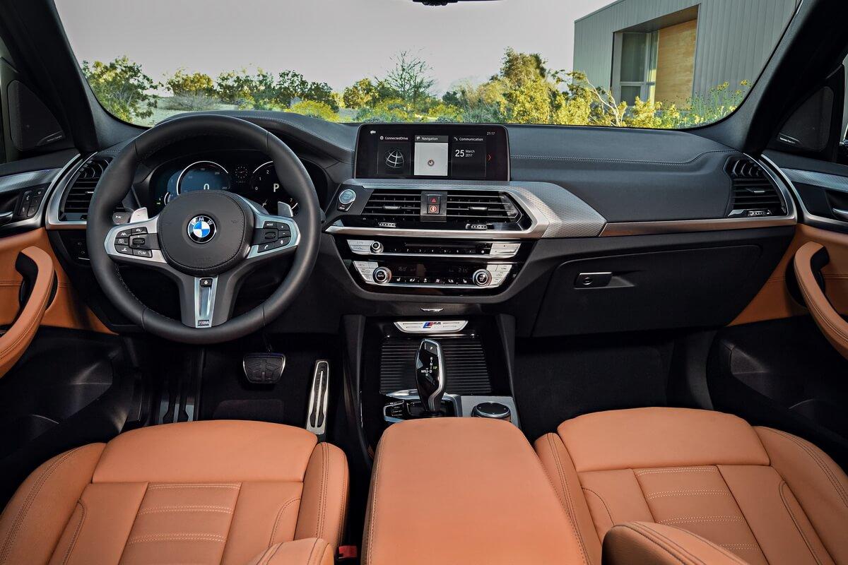 BMW X3 xDrive M40i intérieur tableau de bord