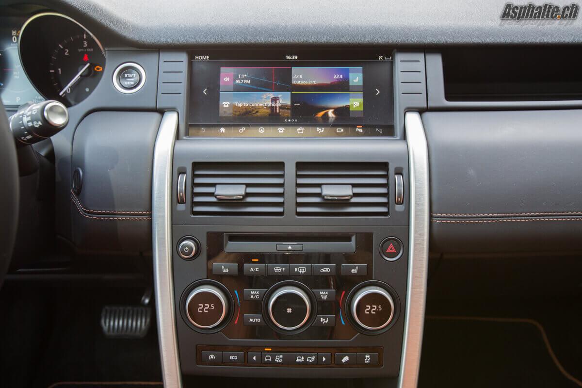 Essai Land Rover Discovery Sport TD4 180ch tableau de bord