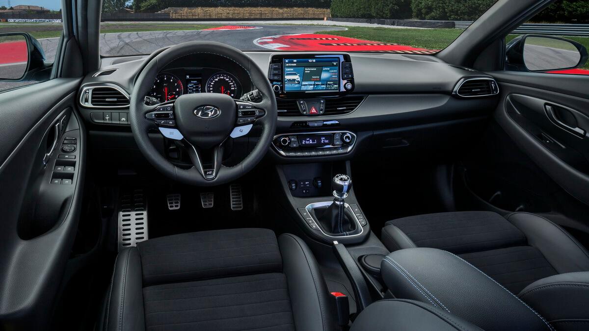 Hyundai i30 N intérieur tableau de bord