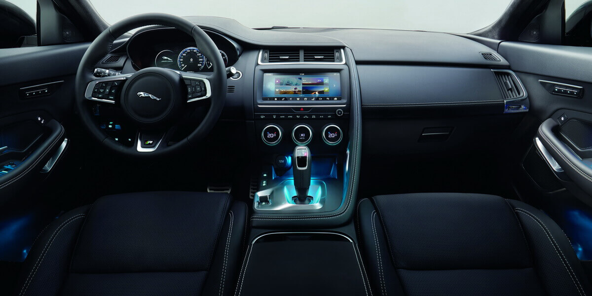Jaguar e pace for Interieur jaguar f pace