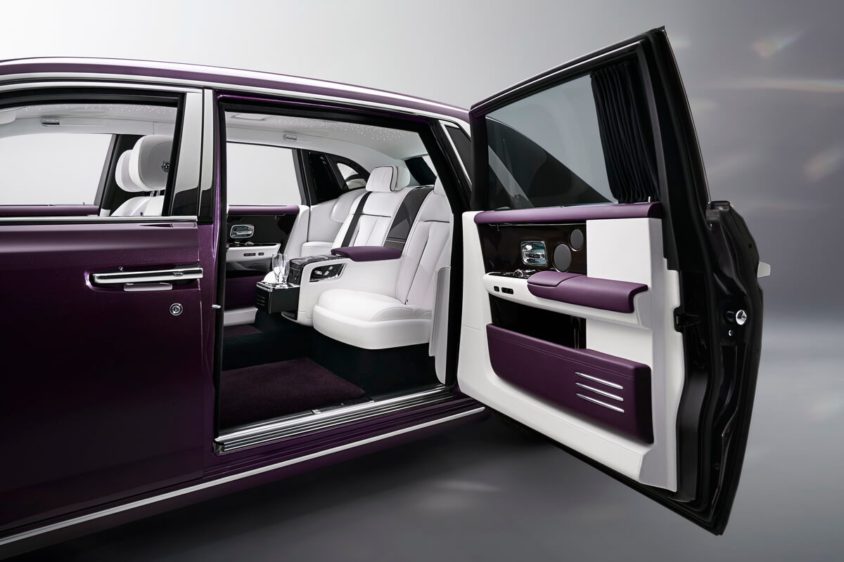 Rolls Royce Phantom VIII porte arrière