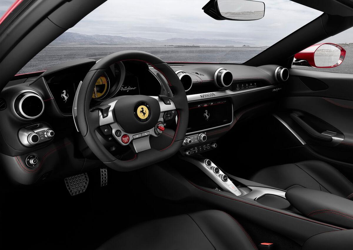 Ferrari Portfofino intérieur