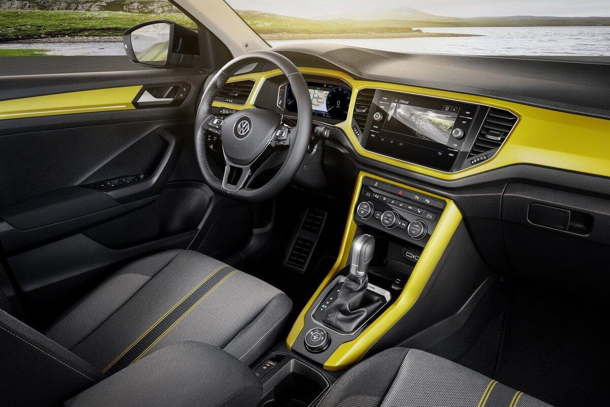 VW T-Roc intérieur tableau de bord