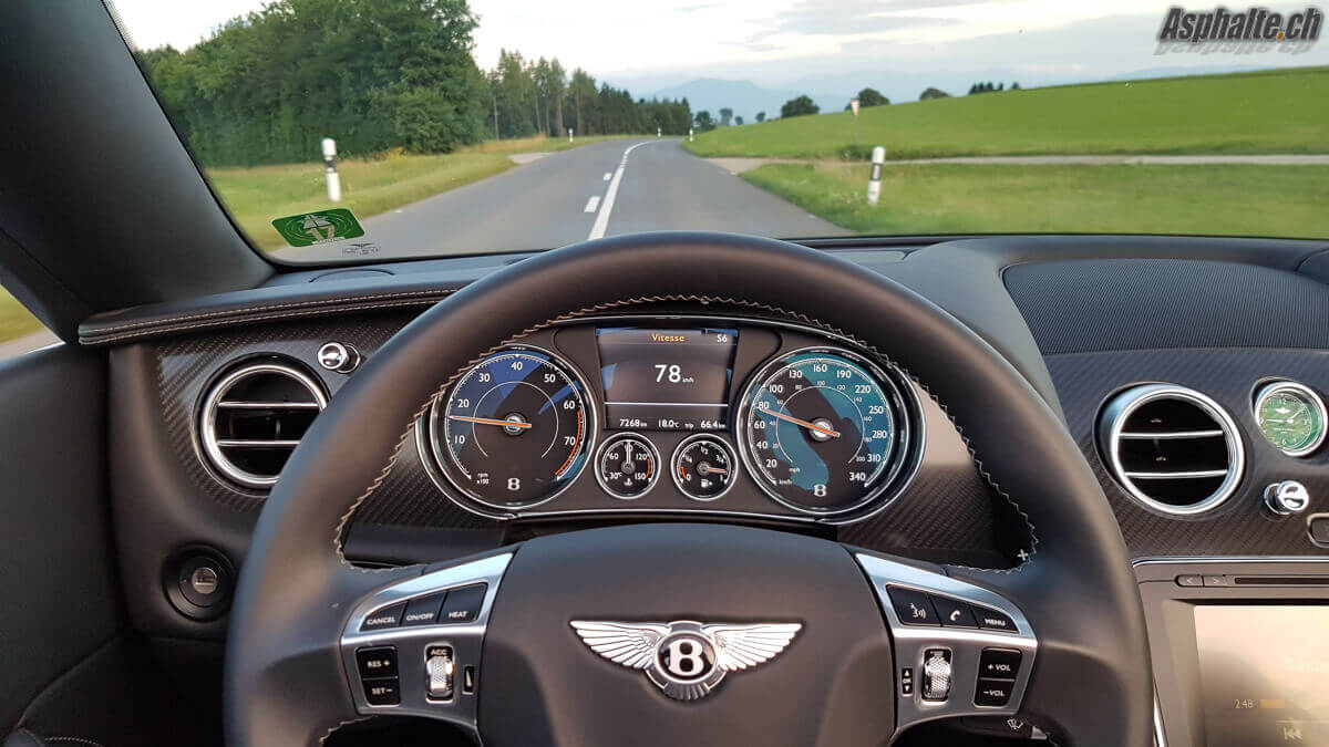 Essai Bentley Continental GT Convertible V8S intérieur tableau de bord