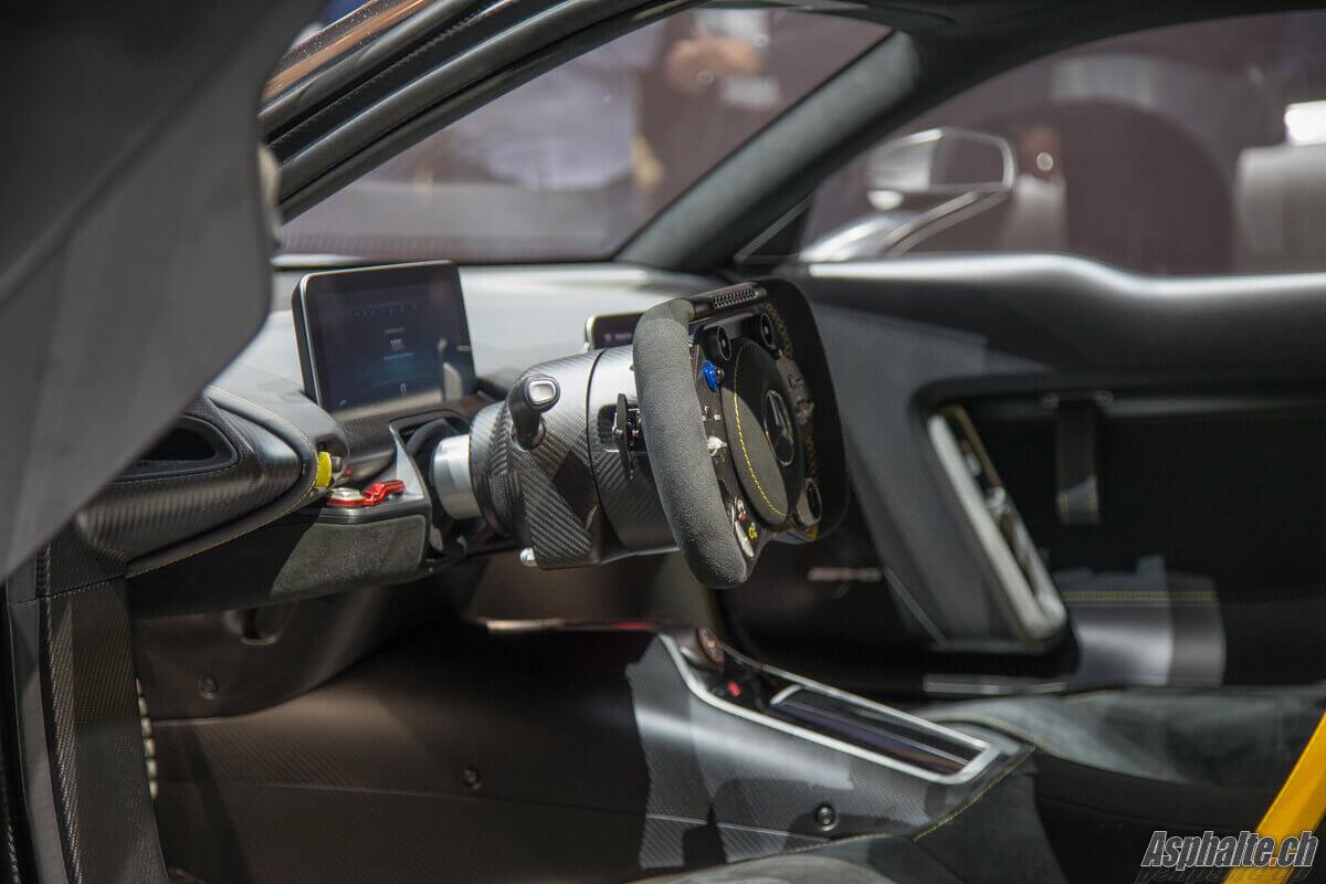 Mercedes AMG Project ONE - intérieur