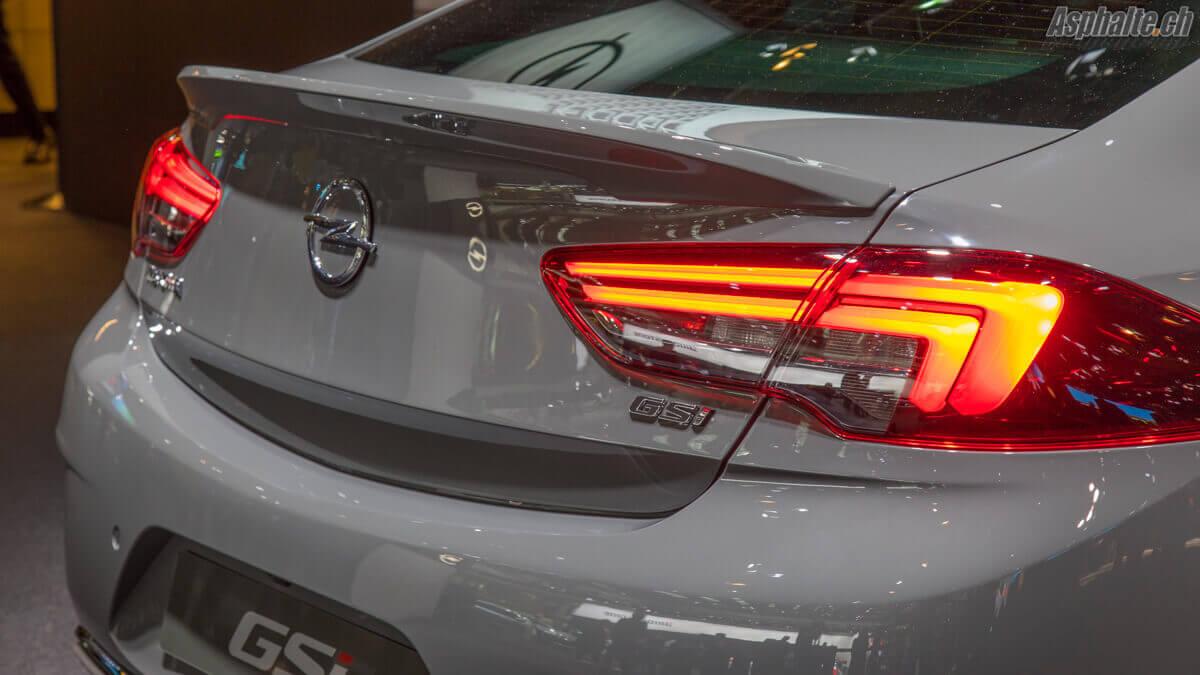 Opel Insignia GSi arrière