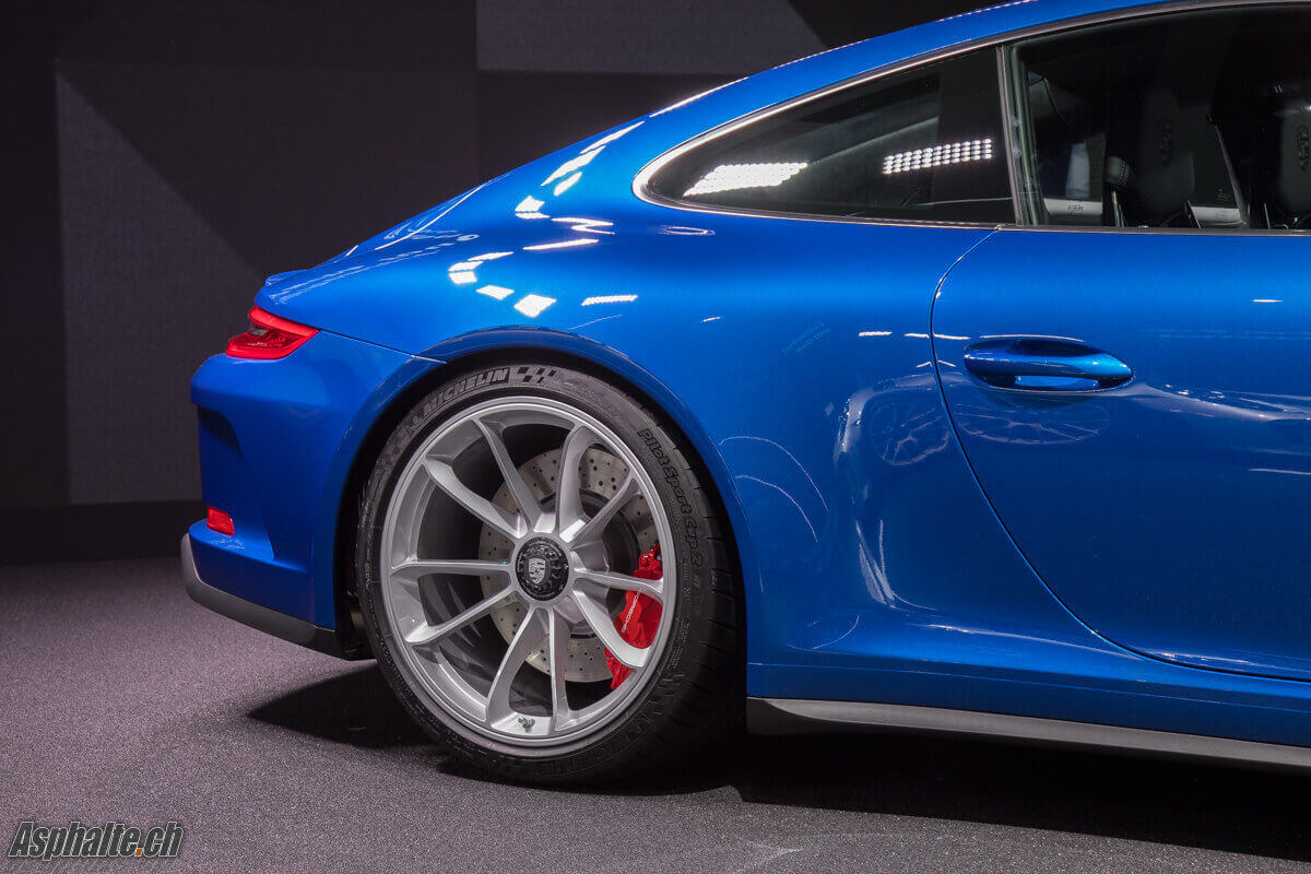 Porsche 991.2 GT3 with Touring Package