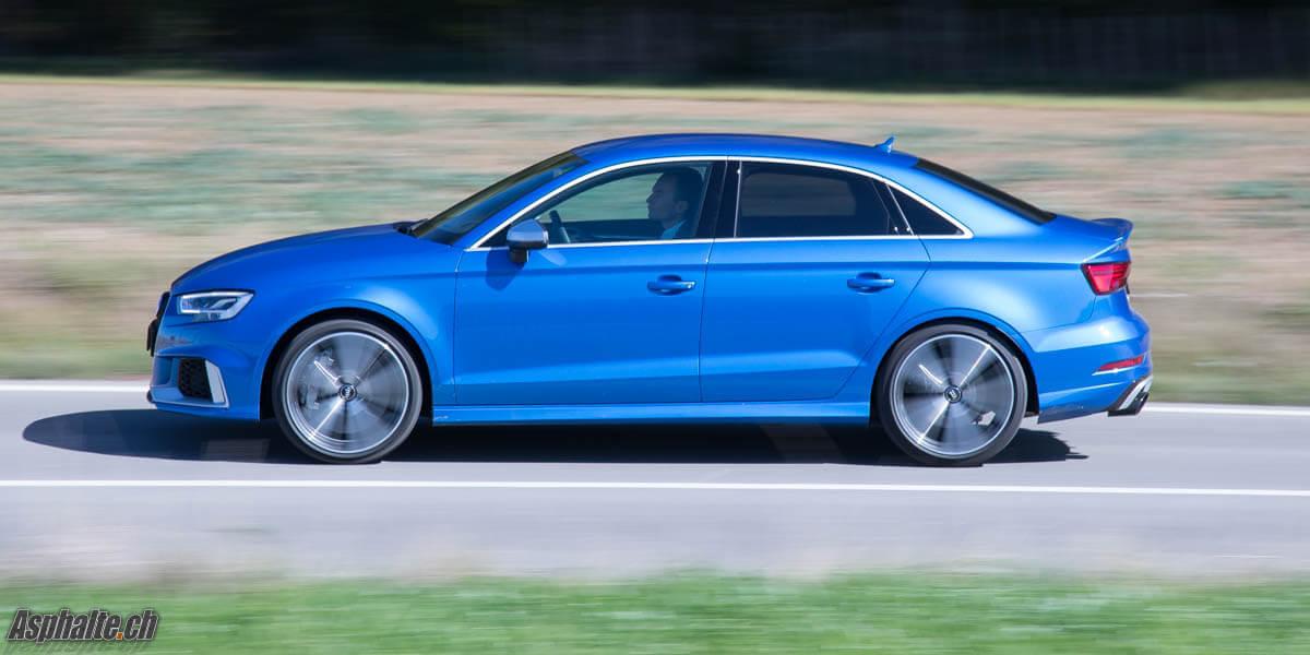 Essai Audi RS3 8V Berline Bleu Ara