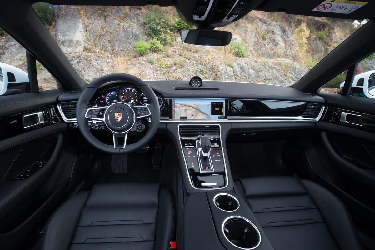 Essai Porsche Panamera Sport Turismo intérieur tableau de bord